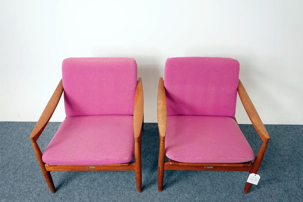 A pair of Danish Mid Century Lounge Chairs Made With Teak - (316-093)