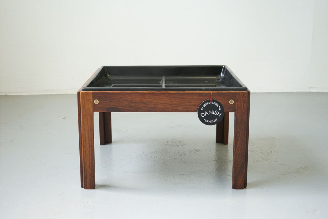 A Danish Mid Century Planter Made With Rosewood For CFC Silkeborg - (312-207)