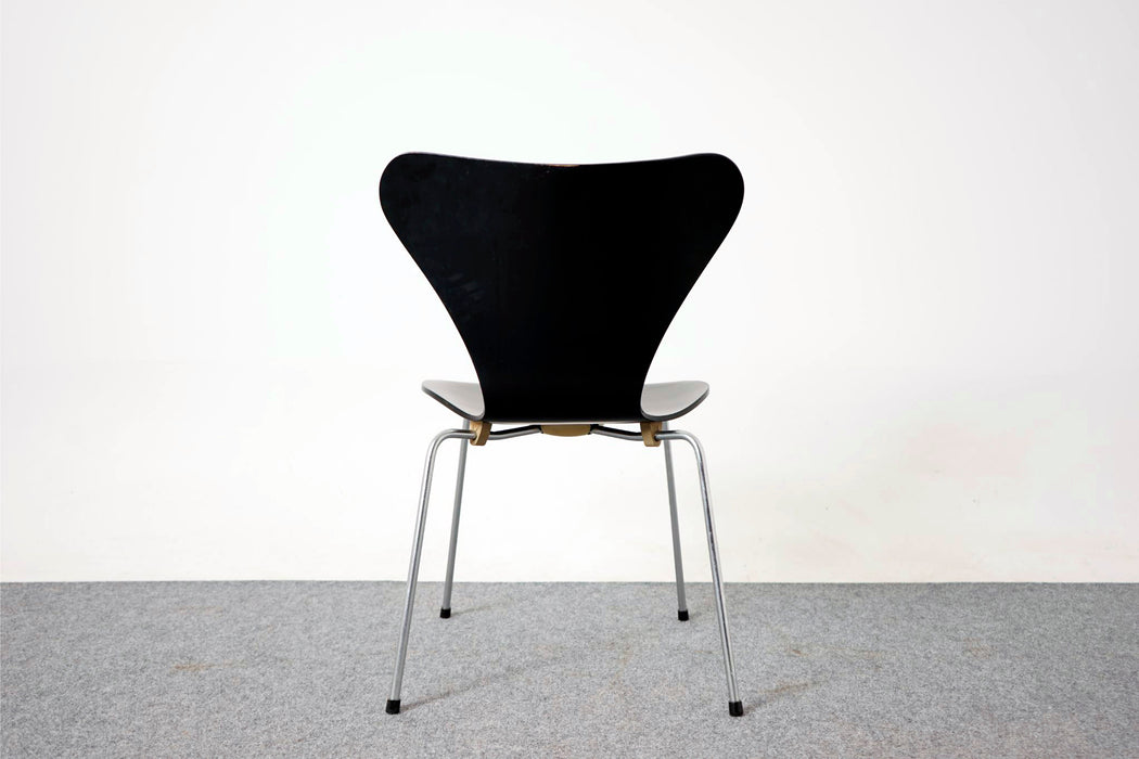 "8 Black Arne Jacobsen ""Series 7"" Chair, sold individually - (307-043)"