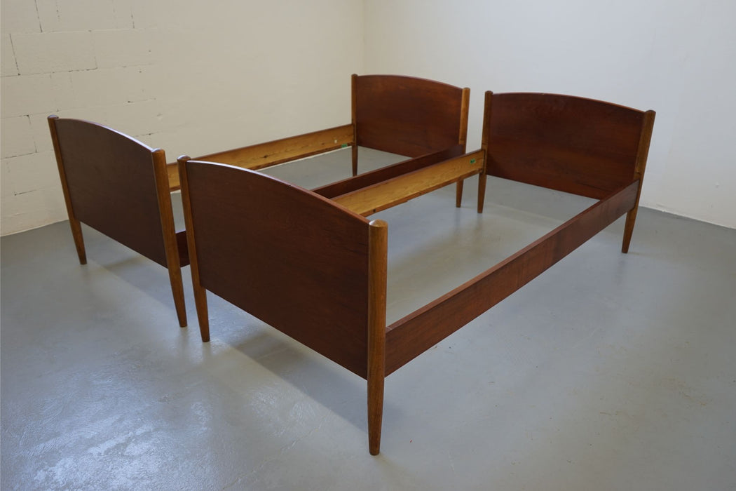 Borge Mogensen Danish Mid Century Teak & Oak Single / Twin Bed - (312-178)
