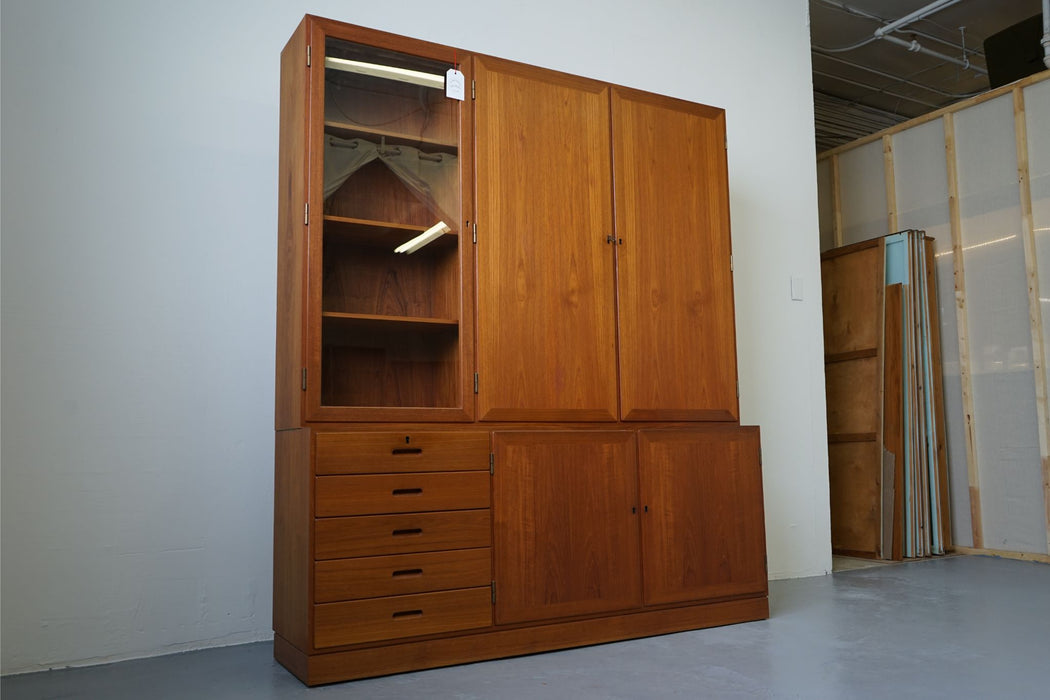 A Danish Modern Bookcase Made With Teak By Kai Winding - (312-037)