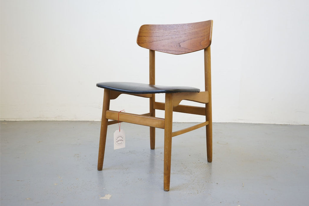Danish Modern Chair Made With Beech & Teak - (315-011.8)