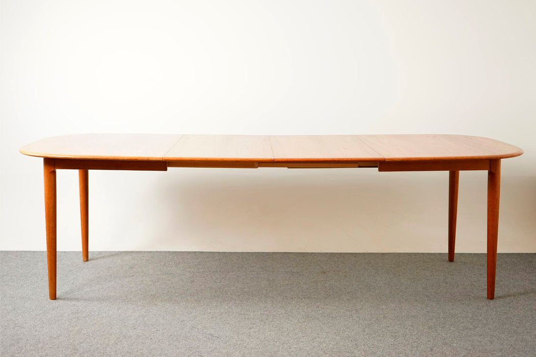 Danish Modern Teak Dining Table For Skovmand & Andersen - (D721)