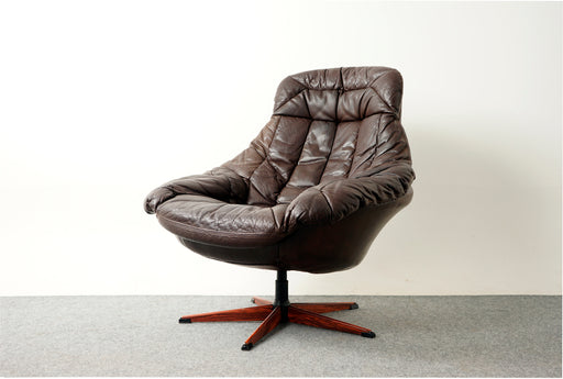 Danish Modern Swivel Chair Leather By H.W. Klein - (318-163)