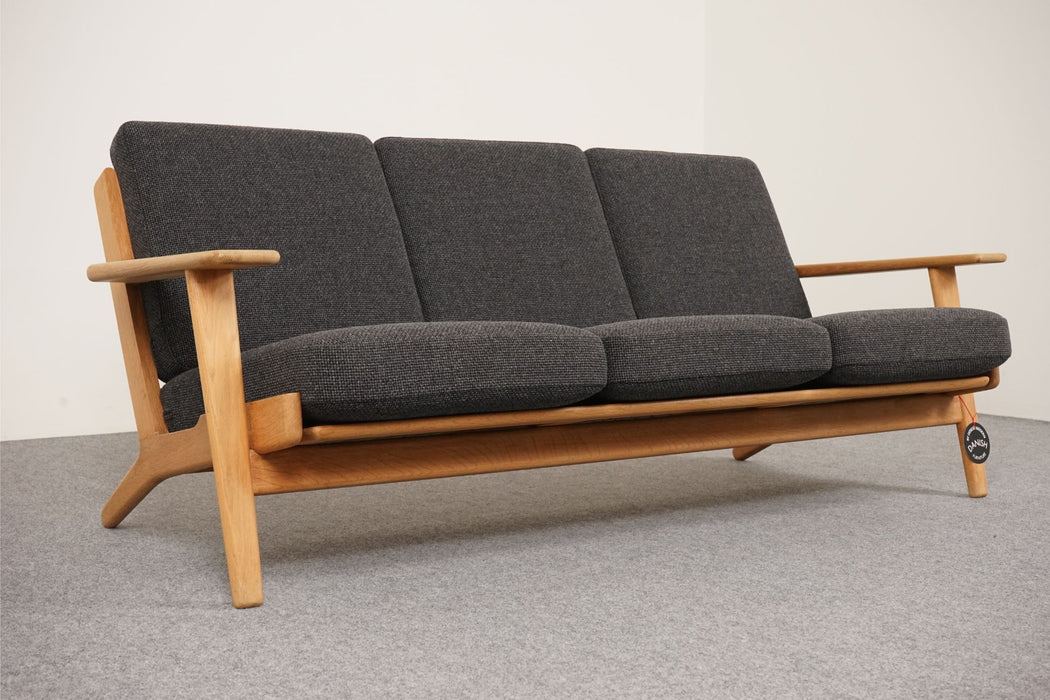 Danish Modern Oak & Wool GE-290/3 Sofa By Hans Wegner For Getama - (313-005.1)