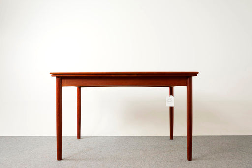 Danish Mid Century Teak Draw Leaf Dining Table - (316-088)