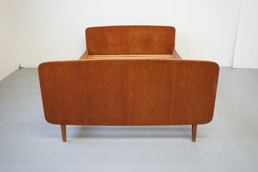 A Mid Century Bed Made With Teak - (314-048)