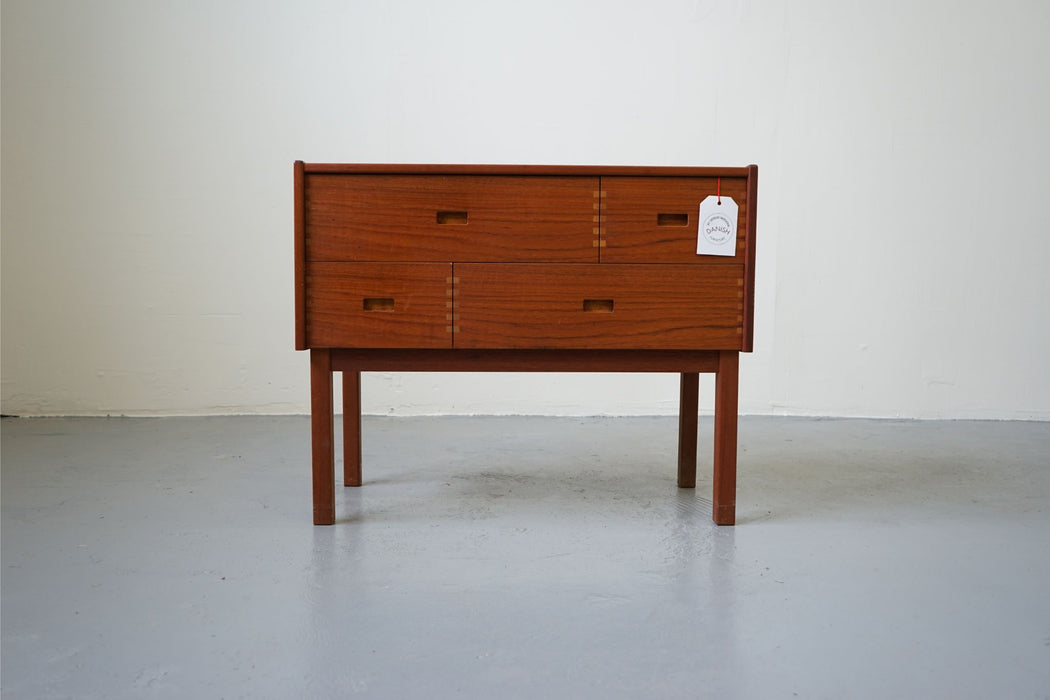 A Mid-Century Bedside Made With Teak - (D414.2)