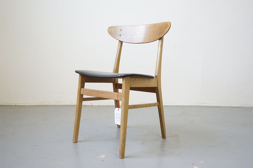 Mid-Century Chair Made With Teak & Beech - (315-011.6)
