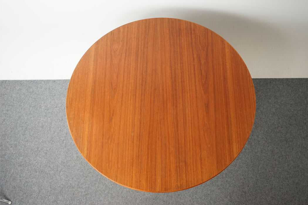 Mid Century Round Teak Dining Table - (D749)