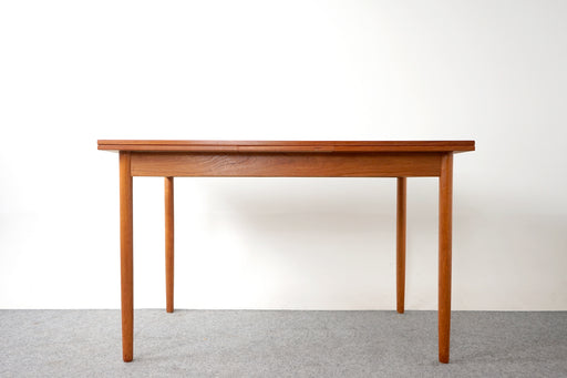 Mid Century Teak Dining Table - (D787)