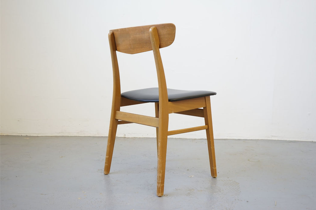 Mid-Century Modern Chair Made With Teak - (315-020.1)