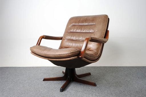 Mid-Century Modern Leather & Rosewood Swivel Chair By Berg - (318-025)