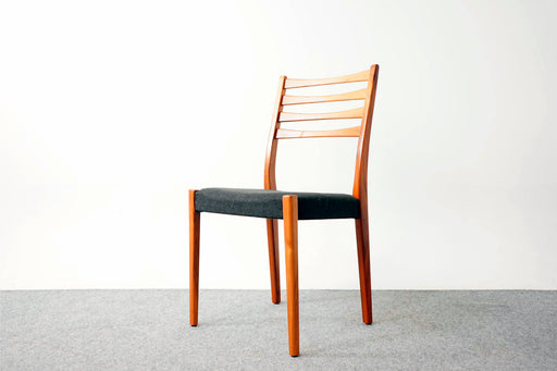 4 Scandinavian Teak Dining Chairs - (317-029)