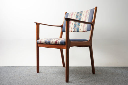 Scandinavian Mahogany Arm Chair By Ole Wanscher - (318-010)