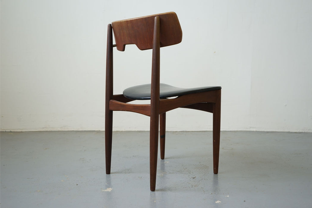 Scandinavian Chair Made With Teak - (315-014.9)