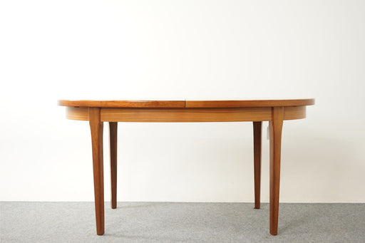 Scandinavian Teak Oval Dining Table - (D611)