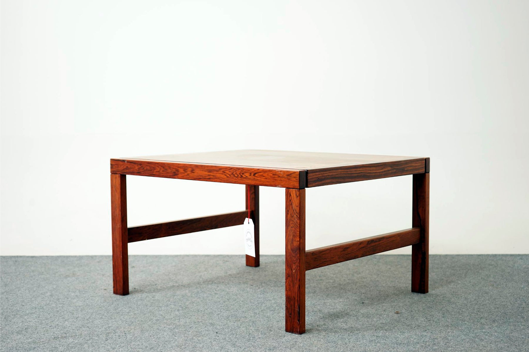 Scandinavian Rosewood Side Table - (316-004.2)