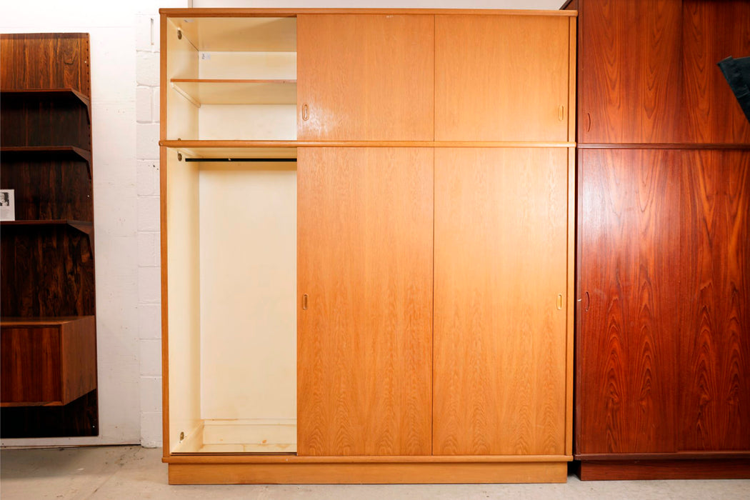 Scandinavian Oak Wardrobe - (316-044)