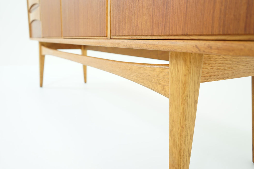 Danish Modern Teak And Oak Sideboard - (310-100)