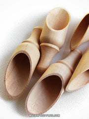 "10 Natural Wood Round Scoops, 4"" Long"