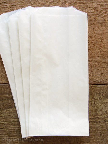 100 1/4 lb Egg Roll Glassine Gusseted Bags 2.5 x 1.25 x 6.25 Inches, Food Safe