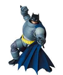 Preorder Action Figure MAFEX ARMORED BATMAN (The Dark Knight Returns)