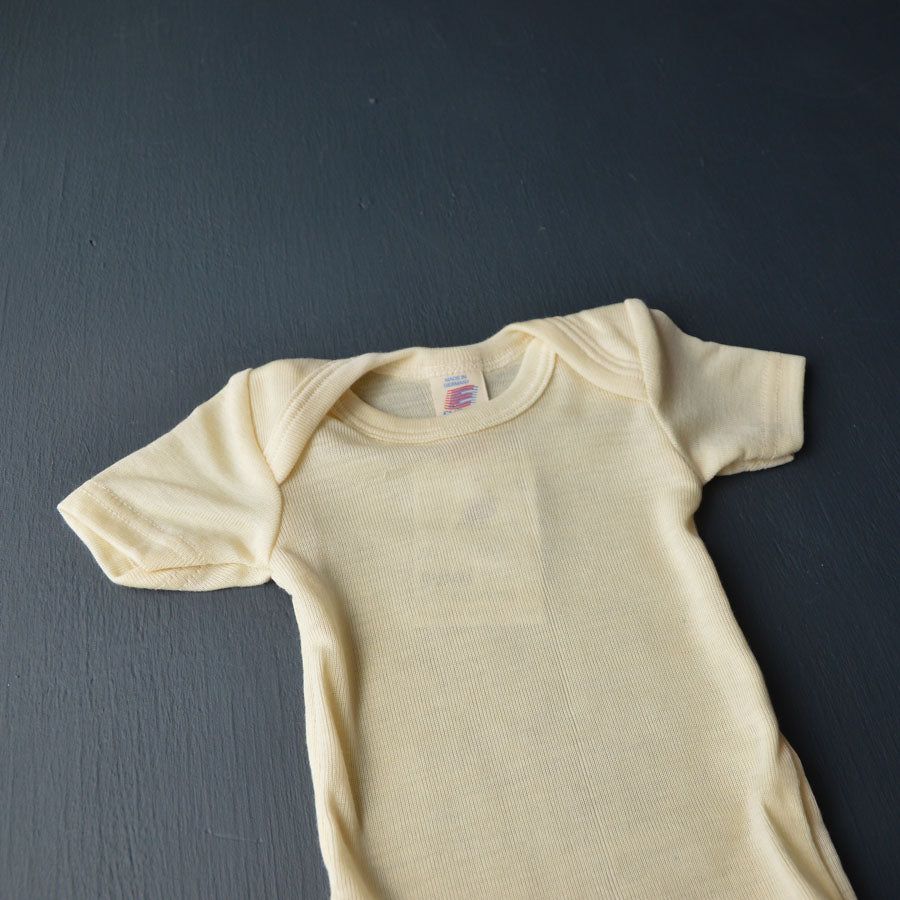 Baby Body Short Sleeve in Merino/Silk - Natural (0-3y)