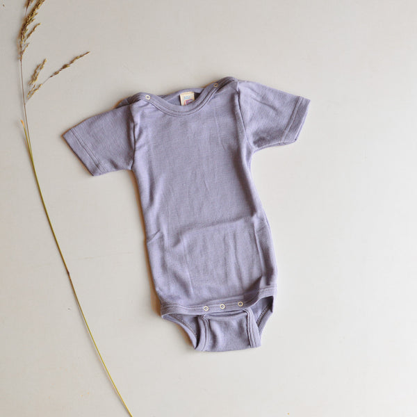 Baby Body Short Sleeve in Merino/Silk - Lavender (0-2y)