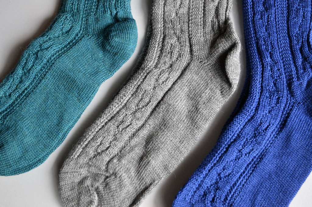 Adult's Cable Knit Socks in 100% Wool (36-41)