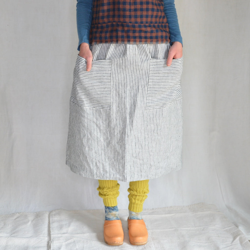 Women's Pocket Skirt in 100% Linen - Grey/White Striped