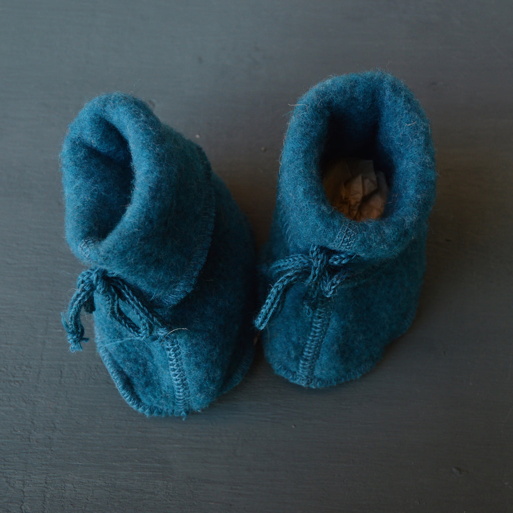 Baby Booties in Organic Wool Fleece (0-12m) in Natural, Grey or Teal