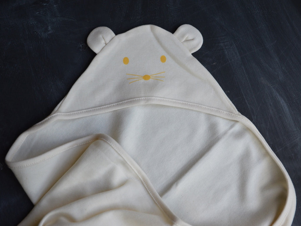 Hooded Swaddling Blanket in Organic Cotton