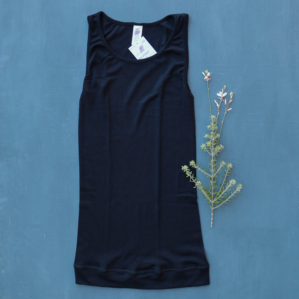 Women's Extra Long Sleeveless Vest in Merino/Silk