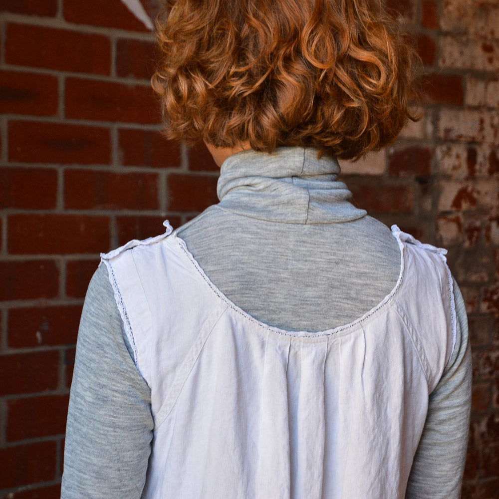 Unisex Adults Turtle Neck Longsleeve Top in Merino/Silk (grey 46/48 only) *Last Ones