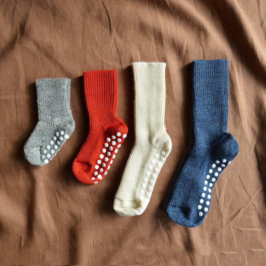 Child's Grippy Socks in 100% Organic Wool