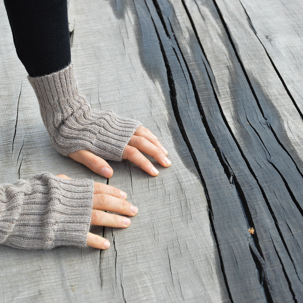 Fingerless Mits (Adults)