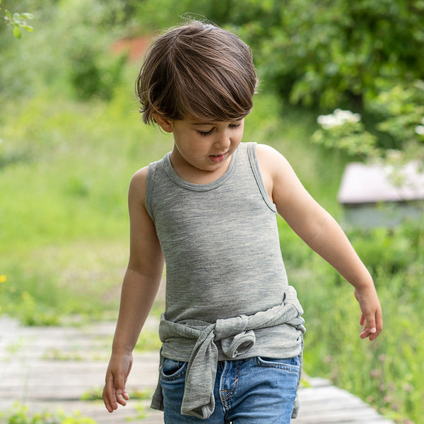 Engel child's sleeveless vest in organic wool / silk - Woollkins, Australia