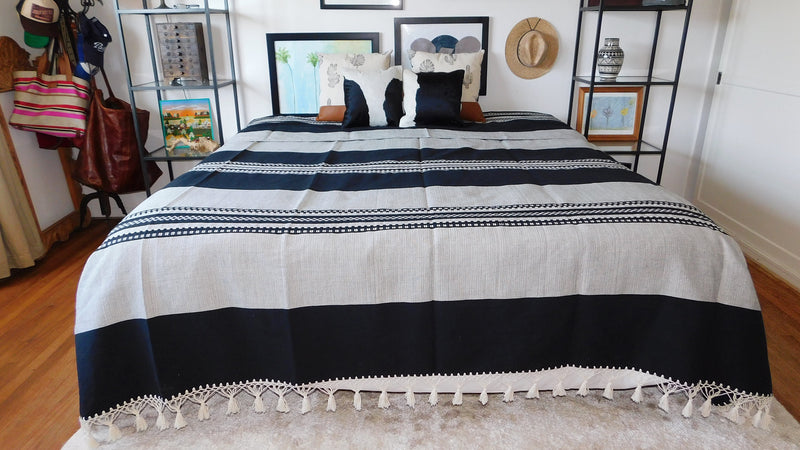 Black Mexican Tassel Blanket