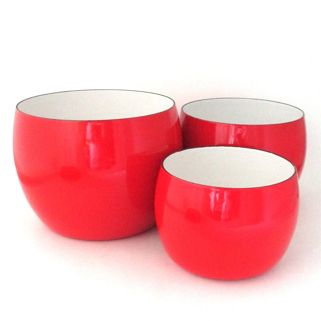 Dansk France vintage enamel set of red bowls by Quistgaard