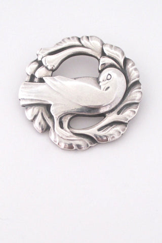 Georg Jensen Denmark classic bird brooch 123 by Kristian Mohl-Hansen medium size