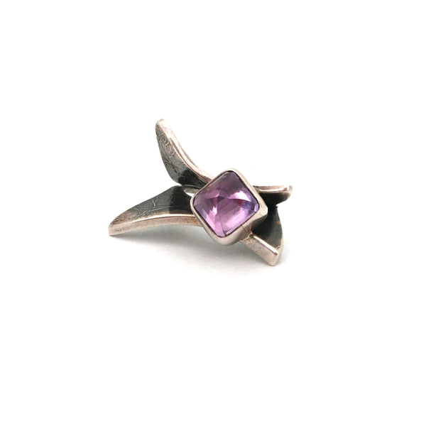 large textured silver & amethyst ring ~ great facet to the stone