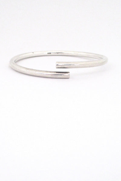detail Egon Holmgaard Sorensen Denmark simple silver bypass bangle bracelet Danish Modern design
