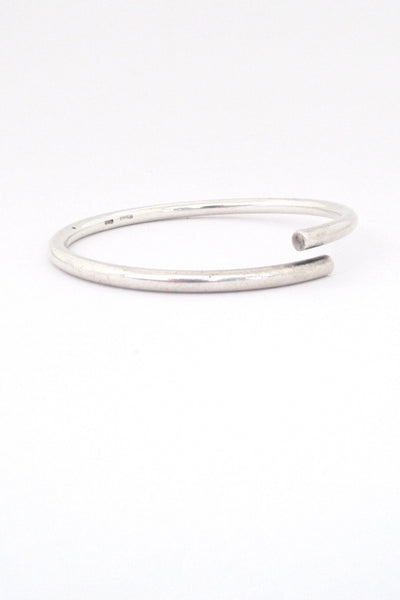 profile Egon Holmgaard Sorensen Denmark simple silver bypass bangle bracelet Danish Modern design