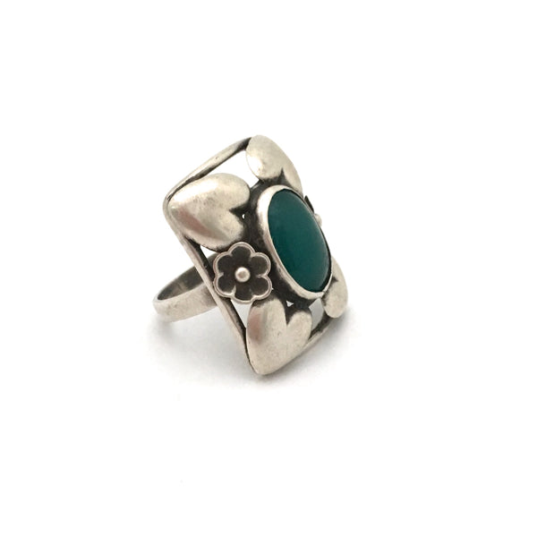 classic Scandinavian silver & chrysoprase hearts ring ~ extra large