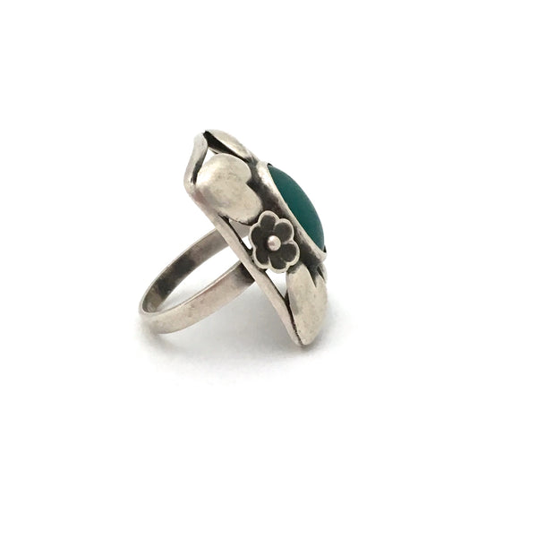 profile classic Scandinavian design extra large silver and chrysoprase ring Danish design jewelry