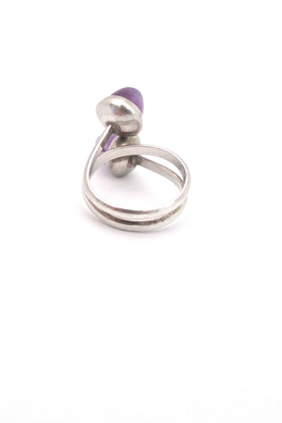 Niels From double bullet cabochon amethyst ring