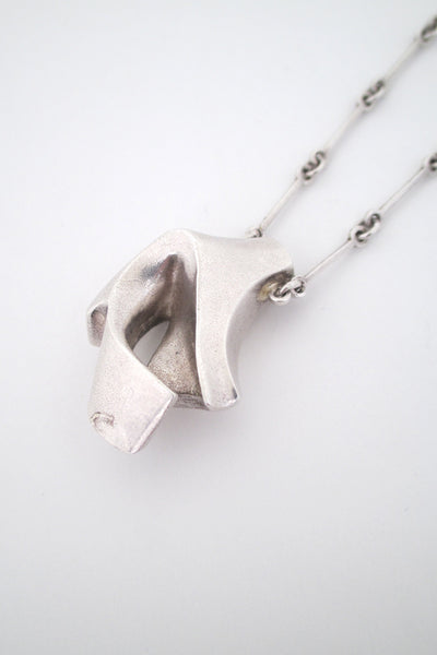 detail Bjorn Weckstrom for Lapponia Finland heavy silver pendant necklace 1977