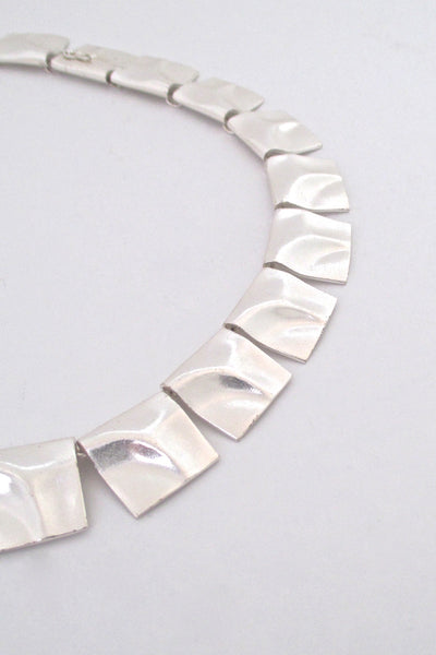 detail Bjorn Weckstrom for Lapponia Finland vintage silver Galactic Peaks link necklace