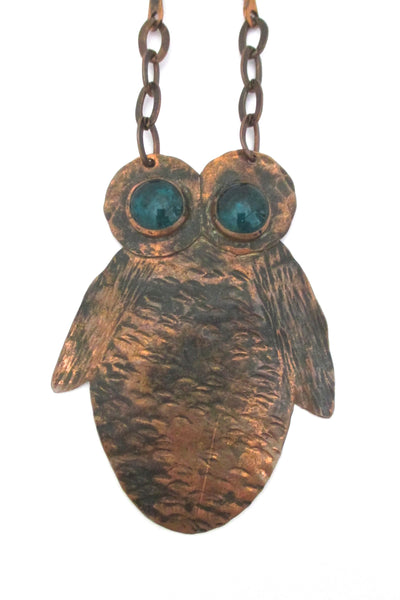detail Rafael Alfandary Canada large copper owl pendant necklace green glass eyes vintage Canadian jewelry